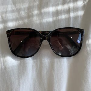 90cdf2d93da27 sunglass museum Accessories